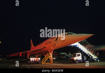 Concorde steht in Ruhe am Londoner Flughafen Heathrow nach seinen letzten kommerziellen Flug. - Stockfoto