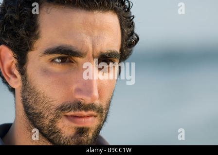 Porträt eines jungen nahöstlichen Beirut Libanon Nahost Asien hautnah - Stockfoto