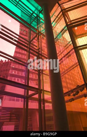 Glasfassade bunt  Moderne Architektur, Gasometer, Vienna Gaswerk, Wien, Austria ...