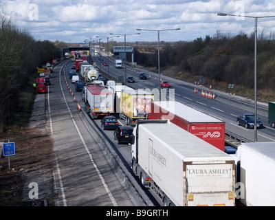 Straßenverkehr Unfall auf M42, Birmingham, UK - Stockfoto