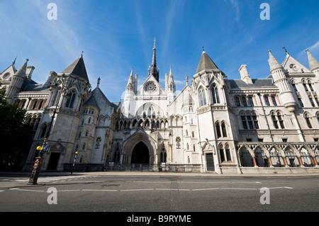 Königliche Gerichtshöfe der Strang-London - Stockfoto