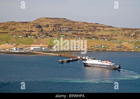 Caledonian MacBrayne Fähre Ankunft in Uig auf der Trotternish-Halbinsel im Nordwesten von der Isle Of Skye-SCO-2248 - Stockfoto