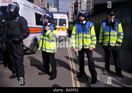 Während des G20-Gipfels - 1. April in London zu protestieren.  2009 - Stockfoto