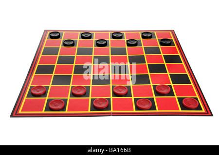 Checkers Spiel Board Ausschnitt auf weißem Hintergrund