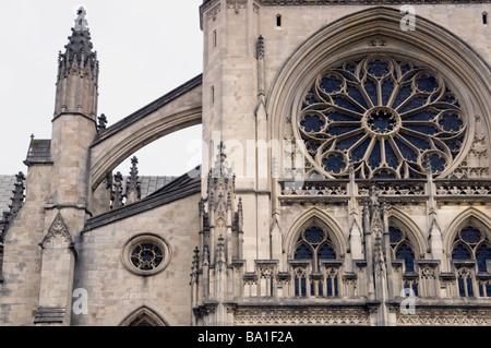 Einen detaillierten Überblick über die gotische Architektur der Kathedrale Washington in Washington D.C. - Stockfoto