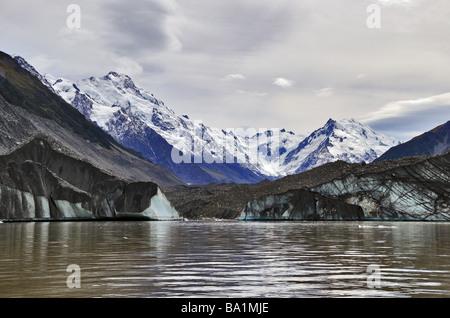 Die Tasmanische See am unteren Rand der Tasman-Gletscher in der Nähe von Mt Cook Village in Neuseeland Stockfoto