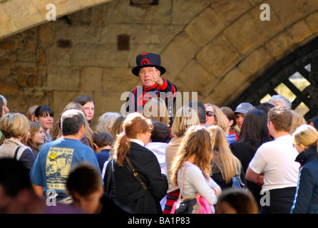 Beefeater oder Yeoman, Tower of London, England, UK - Stockfoto