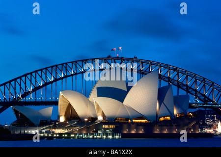 Sydney Harbour Bridge und das Opernhaus - Stockfoto