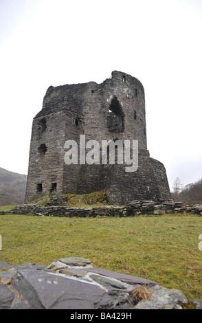 Dolbadarn Burg in der Nähe von Llanberris in Snowdonia, Nordwales - Stockfoto