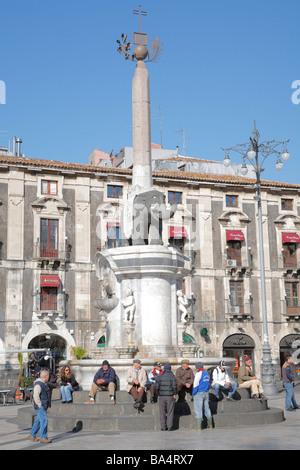 Fontana dell'Elefante, Piazza Duomo, Catania, Sizilien, Italien - Stockfoto