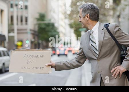 Geschäftsmann, Trampen - Stockfoto
