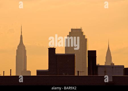 Empire State Building, das Chrysler Building und das Queens Citicorp Building, Long Island City, Queens, New York - Stockfoto