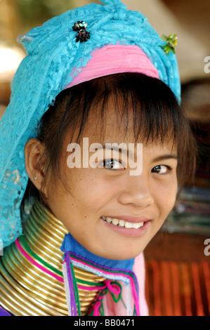Karen Longneck Mädchen Maeram Tribal Dorf Chiangmai Thailand - Stockfoto