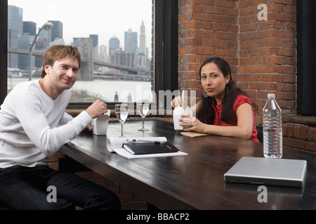 Ein paar beim Business-lunch - Stockfoto