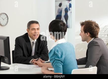 Ein paar Treffen mit Business manager - Stockfoto