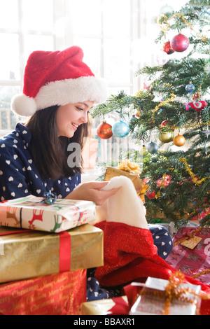 Mädchen, präsentiert 14 mit Weihnachten - Stockfoto