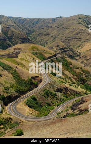 Kurvenreiche Straße durch Hells Canyon, Oregon - Stockfoto