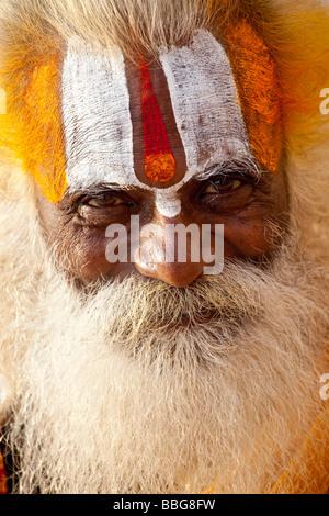 Sadhu oder hinduistischen heiligen Mann in Varanasi, Indien - Stockfoto