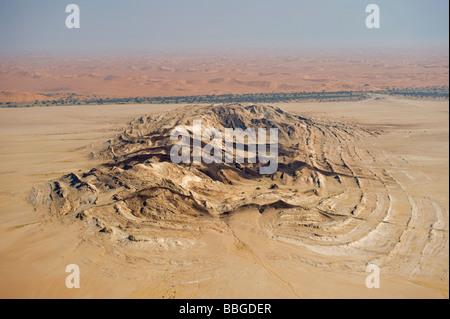 Das Relief der Steinwüste in der Nähe von Swakopmund, Luftbild, Namibia, Afrika - Stockfoto
