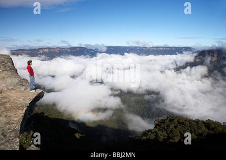 Blick vom Kings Tableland über den Wolken in Jamison Valley Blue Mountains New South Wales Australien - Stockfoto