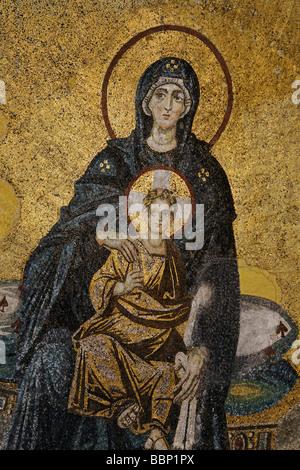 Maria mit Jesuskind, byzantinische Mosaik, Hagia Sophia, Aya Sofya, Sultanahmet, Istanbul, Türkei - Stockfoto