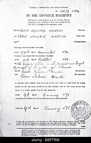 Scheidung-Zertifikat Dekret Absolute Stockfoto, Bild: 72492115 - Alamy