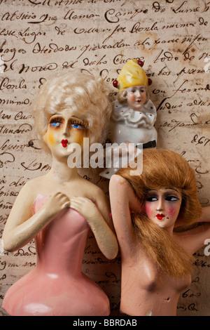 Alte Puppen auf alten Brief - Stockfoto