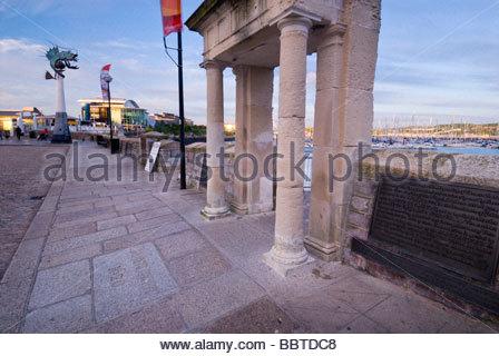 Pilger-Punkt, über den Mayflower Steps, Barbican, Plymouth, Devon, England. - Stockfoto