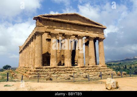 Antiken griechischen Tempel von Concord, Tal der Tempel Agrigento Ausgrabungsstätte, Sizilien, Italien - Stockfoto