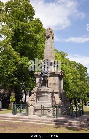 """Canterbury Kent England UK Europa South African Kriegerdenkmal für East Kent Regiment """"Buffs"""" in Dane John Gärten - Stockfoto"""