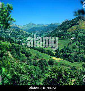 Puy Mary, Cantal, Auvergne, Frankreich, Europa im Frühjahr