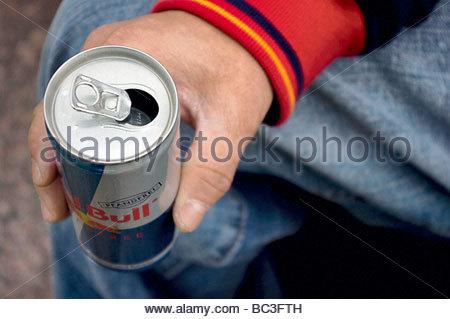 Red Bull Dosen Kühlschrank Neu : Nahaufnahme von red bull dosen stockfoto bild: 29678122 alamy