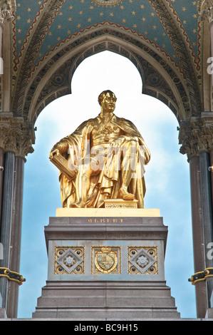 Nahaufnahme von der Prinz Albert-Denkmal befindet sich im Hyde Park gegenüber der Albert Hall, dekorative Detail - Stockfoto