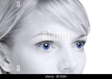 Abstraktes Bild einer blonden Frau mit blauen Augen - Stockfoto