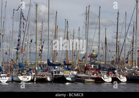 TALL SHIPS RACES St Petersburg Russland Juli 11-14-2009 - Stockfoto