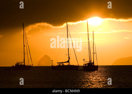 Sonnenuntergang über Segelboote in Martinique Stockfoto