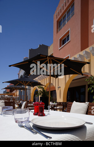Tisch, Hurghada, Ägypten, Rotes Meer, Afrika Gelegt   Stockfoto