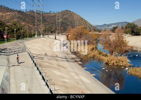 Fahrrad Weg, Los Angeles River, Glendale Narrows, Los Angeles, Kalifornien, USA - Stockfoto