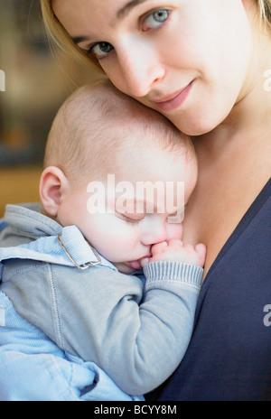 Mutter mit ihrem baby - Stockfoto