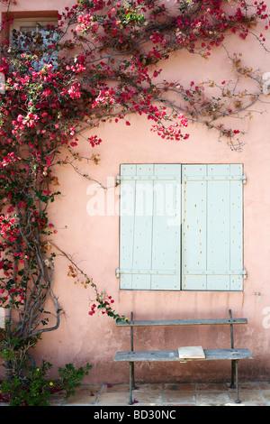 Hausfassade in Porquerolles, Porquerolles - Stockfoto
