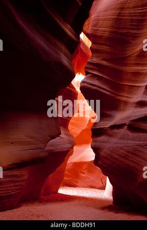 Schöne spirituelle Welle von Licht in Upper Antelope Canyon touristische Vermietungen Attraktion Südwesten USA Indianer - Stockfoto