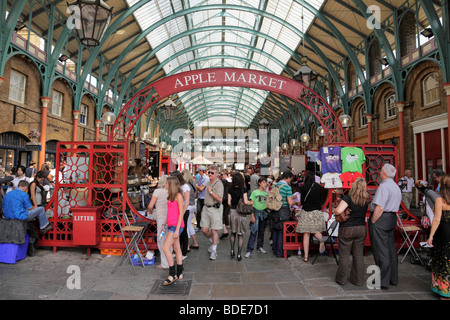 london uk covent garden antiquit ten und sammlerst cken markt stockfoto bild 83300405 alamy. Black Bedroom Furniture Sets. Home Design Ideas