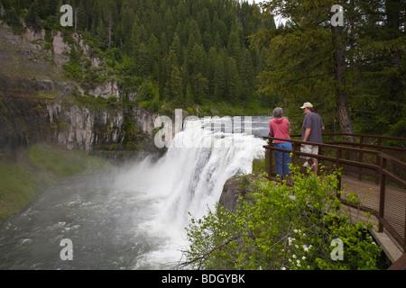 Upper Mesa Falls 114 Fuß hoch auf Henrys Fork des Snake River in Idaho - Stockfoto