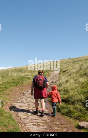 Der Beginn der Wanderung bis Pen Y Fan, der höchste Berg in Großbritannien, Brecon Beacons, Südwales - Stockfoto