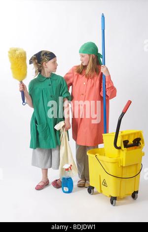 Mädchen, verkleidet als Hausmeister - Stockfoto
