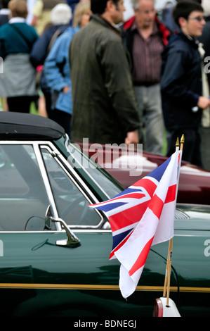 Zuschauer und Autos bei einer Oldtimer-Show in England - Harpenden Klassiker am gemeinsamen 2009 - Stockfoto