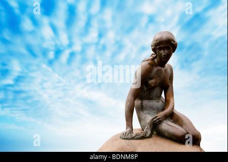 Statue der kleinen Meerjungfrau in Kopenhagen - Stockfoto