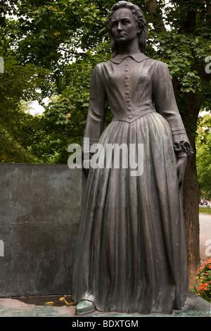 Eine Statue Minna Canth in der Stadt Tampere, Finnland. Canth geborene Ulrika Wilhelmina Johnsson, Autor und Aktivist. - Stockfoto