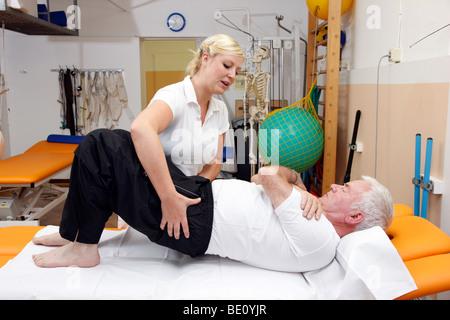Rehabilitationseinrichtung in einem Krankenhaus, Physiotherapie und Heilgymnastik, Gelsenkirchen, Deutschland - Stockfoto