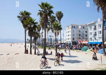 Radfahrer am Venice Beach in Los Angeles, Kalifornien, USA - Stockfoto